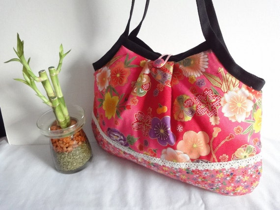 FREE SHIPPING Gorgeous Kimono Shoulder Bag Granny bag Japanese Purse flowers cherry blossoms crane chrysanthemum pink