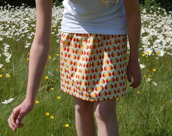 girls skirt 4-5 years,red, green and yellow apples