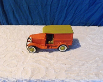 Vintage Buddy L Truck