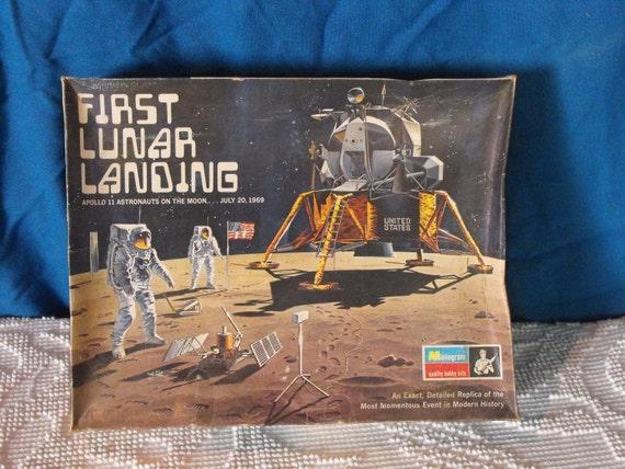 Vintage 1970 First Lunar Landing Apollo 11 Model Kit 1/48