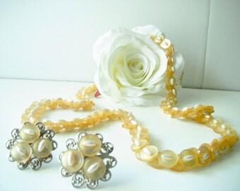 Beautiful Yellow Button & Bead Jewelry Set