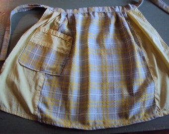 Vtg. Child's Apron, Yellow and Beige Weave
