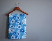 Vintage blue daisy print fabric- cotton blend, 5 yards