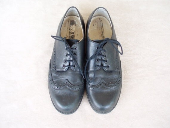 Vintage Black Leather Lady's Oxford Type Lace Up Shoes Size EUR 37  US Woman 6 - 6 1/2 Made in Austria