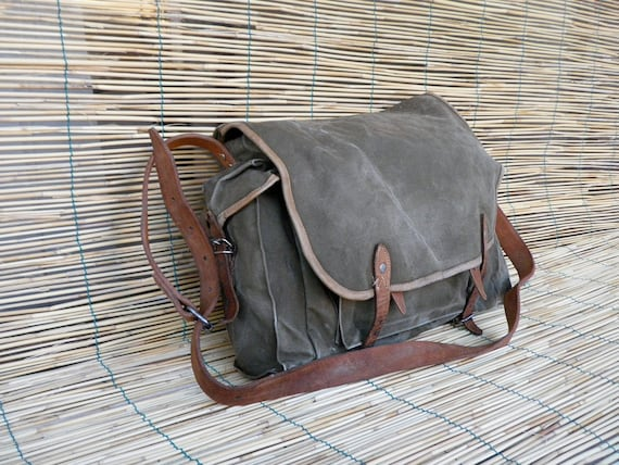 Vintage 1940's Military Washed Out Green Canvas Messenger Bag
