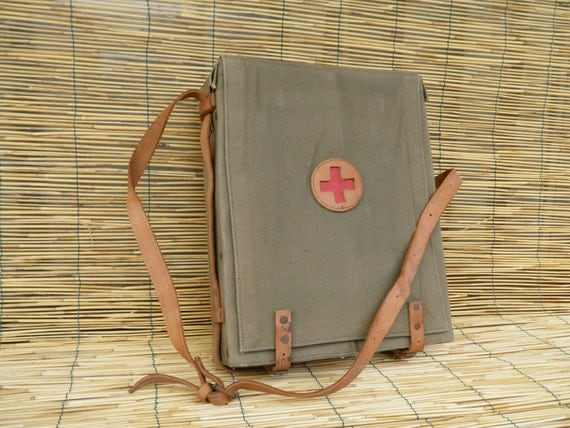 Vintage 1940's Army Green Canvas Red Cross First Aid Kit Case Bag