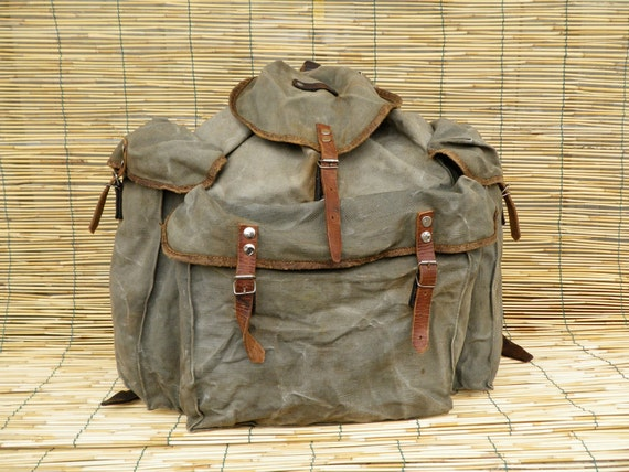 Vintage 1940's Military Very Large Washed Out Green Canvas Backpack