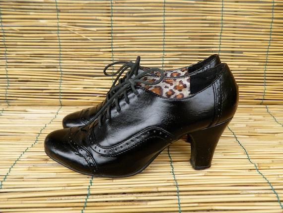Vintage Lady's 1980's Black Faux Leather Shoes  Size EUR 37 US Woman 6 1/2