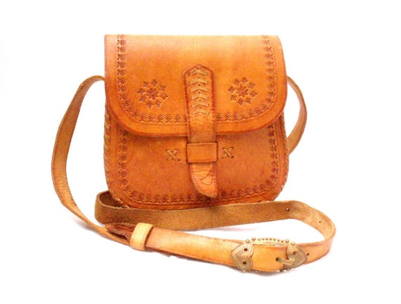 Vintage, Tan Brown Tooled Leather Satchel/Messenger/Cross Body Bag circa 1970s.