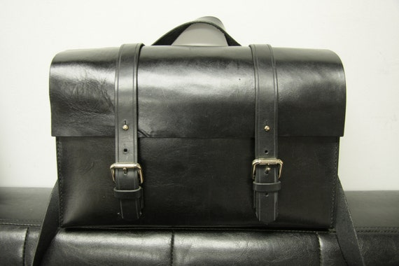 Motto - Black Leather Camera bag with strap
