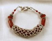 Bracelet netted carnelian gemstones and silver