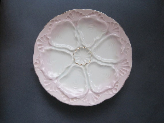 Vintage Porcelain Oyster Plate in Pink and White