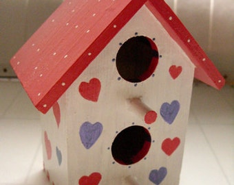 Birdhouse - Heart & polka dot birdhouse, heart birdhouse, Valentine birdhouse, girlfriend gift, anniversary gift, decorative birdhouse