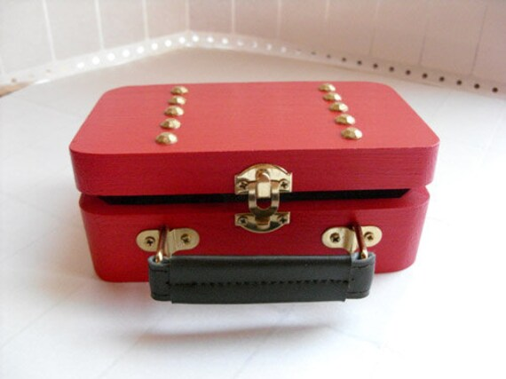 Traincase Purse - Juicy red apple & gold, keepsake box, vintage purse and glove fabric and mirror
