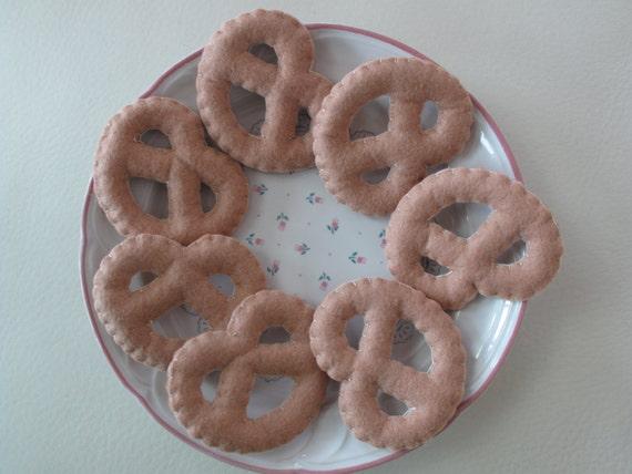 Felt Food Toys R Us : Items similar to felt lovely cookies set of on etsy