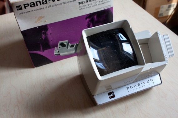 SALE - GAF Pana Vue Automatic 2 x 2 Slide Viewer
