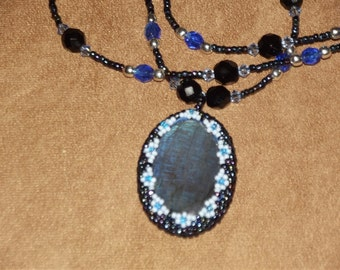 Beautiful labradorite necklace, beaded with Czech-cut and antique beads, with anitque glass and Swarovski crystal beads