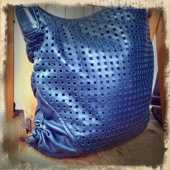 BRIO   ///   Navy Perforated 1980s Slouchy Hobo