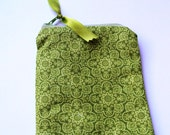 Green zippered pouch 091911