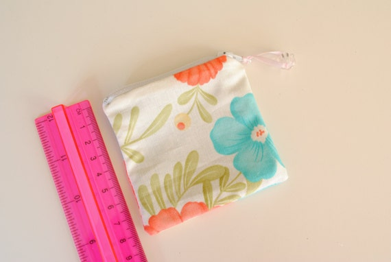Floral mini zippered pouch 080211