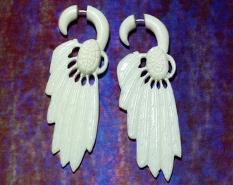 Fake Gauge, White Feather, Tribal Earrings, Split Expanders, Bone Earrings, Eco-Friendly - B12