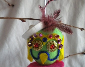 Easter Day Ornament, Cindy the Easter Owl