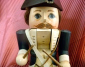 Collectible Handpainted Wood Revolutionary War Drummer Nutcracker