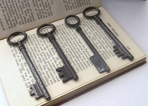 Collection of Vintage Keys, Four Old Keys, Skeleton Keys for Home Decor, Mixed Media Vintage Keys, Keys
