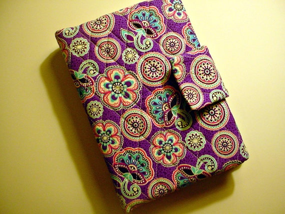 Vera Bradley style Kindle Cover in Purple print with Pink lining