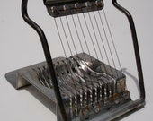 Vintage Kitchenware: Metal Wire Egg Slicer