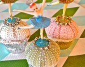 fun and pretty sea urchin cupcake kit and tutorial