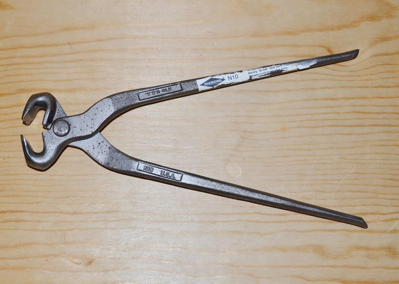On sale vintage farrier blacksmith tool for horseshoes diamond for Vintage horseshoes for sale