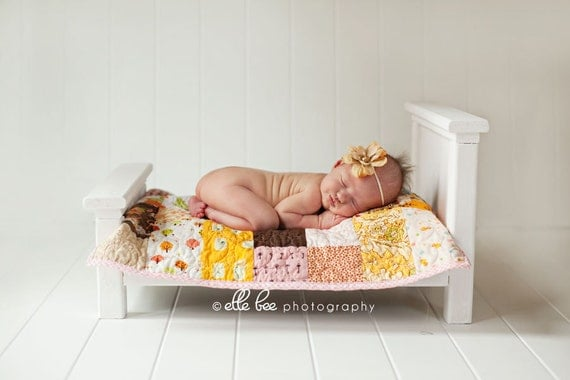 FREE SHIPPING Newborn Photo Prop Classic Antique White Doll Bed W/ complete quilt bedding set
