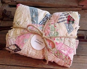 Shabby Vintage Quilt Bundle/Country Cottage Homespun Spider Web Cutter Patchwork Piece 4 Crafting