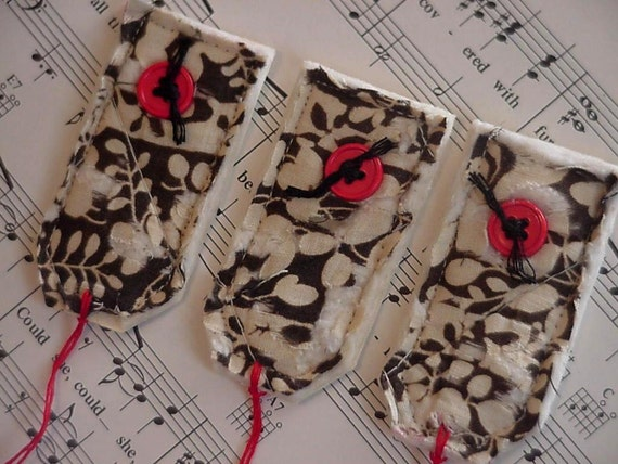 Shabby Patchwork Tags, Vintage Quilted Feedsack Fabric Gift Wrap Tags, Everyday All Occasion  Prim Quilted Package Labels itsyourcountry
