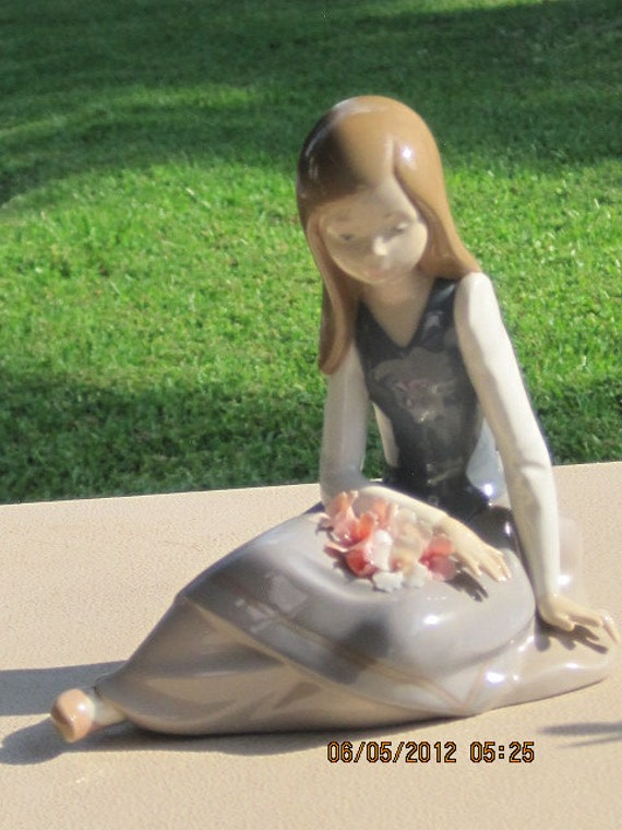"""RESERVED FOR JOSE Lladro """"Young Girl Thinking"""" Retired New in Box"""