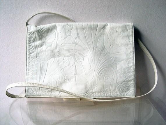 Vintage 70s White Tool Embossed Genuine Leather Envelope Handbag Clutch Purse
