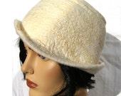 Retro women hat,  white felt cloche with silk, 1920's inspired hat, art deco fashion