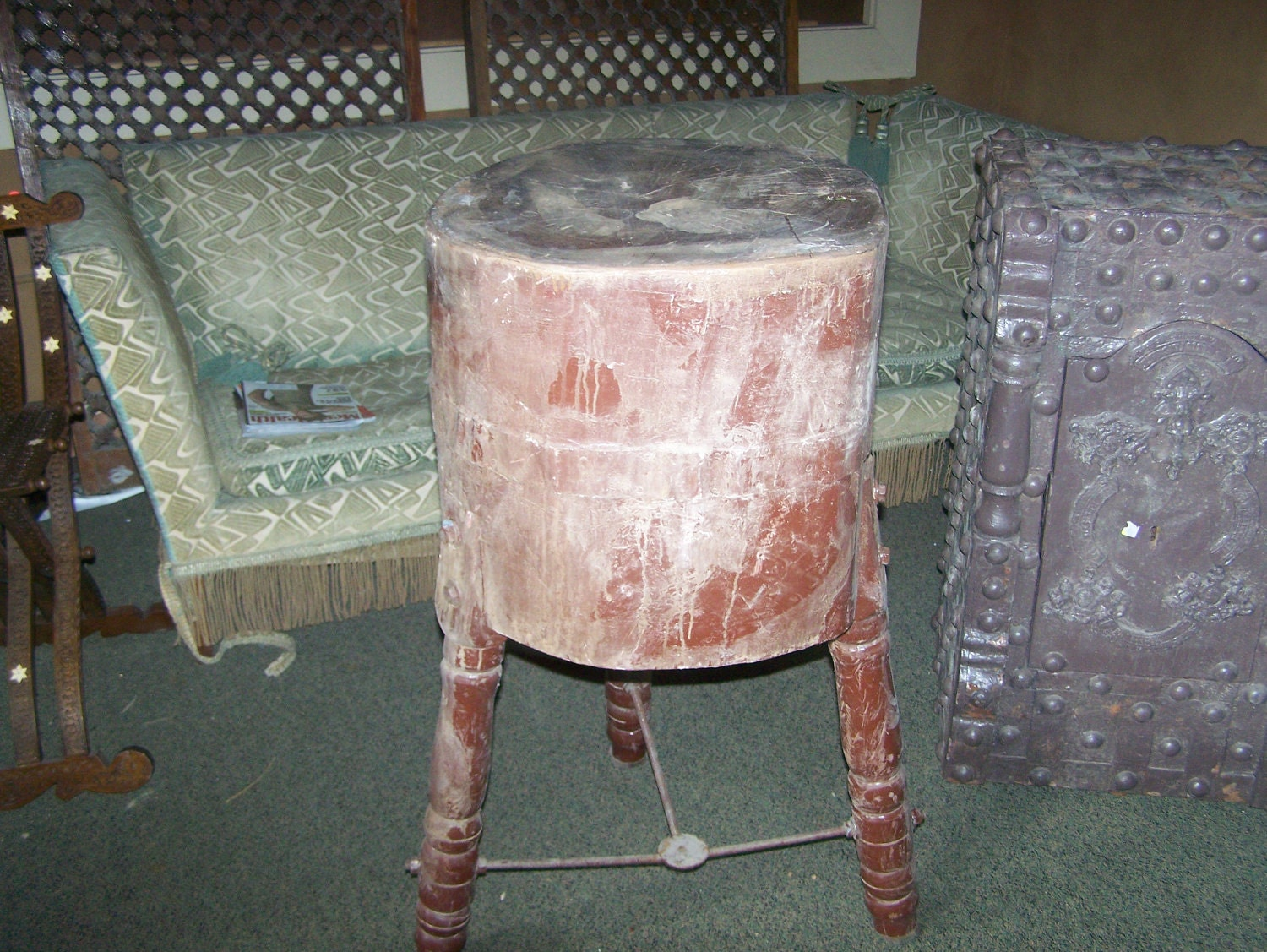rustic round butcher block table tripod stand. Black Bedroom Furniture Sets. Home Design Ideas