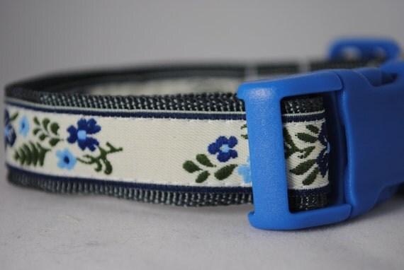 """Blue FLORAL Print Adjustable 3/4"""" Dog Collar"""