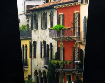 SET Wastebasket and Tissue Box Cover - Row of Houses in Verona