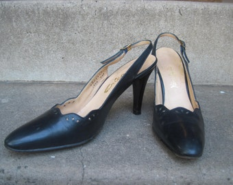 REDUCED Dainty, Elegant Vintage 70s Eyelet Design Black Leather Heels 8/7.5 Neiman Marcus