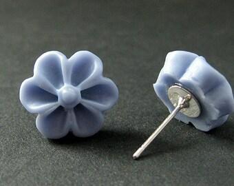 Periwinkle Blue Flower Earrings with Silver Earring Posts. Outie Button Flower Jewelry. Handmade Jewelry.