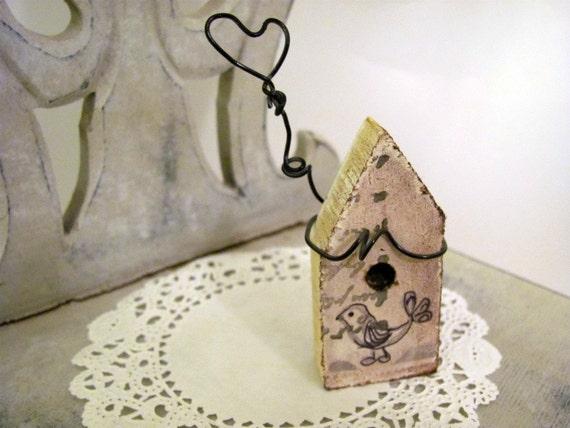 Little Heart   Primitive Folk Art Style Miniature Bird House