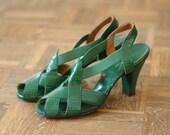vintage NOS 1940s shoes / 40s green sandals