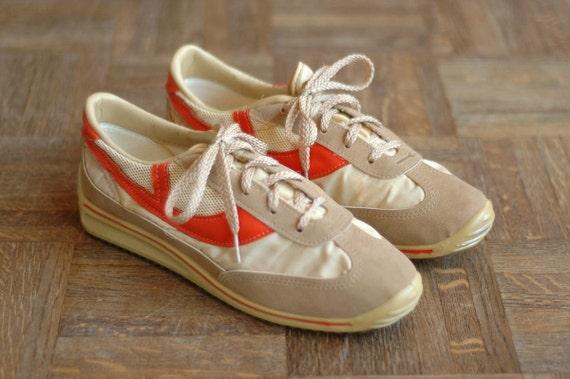 vintage 1970s men's sneakers / size 10