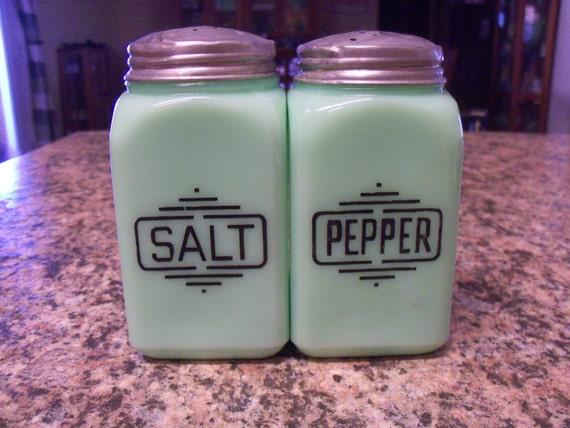 Vintage McKee Jadite Large Box Salt and Pepper Range Shakers