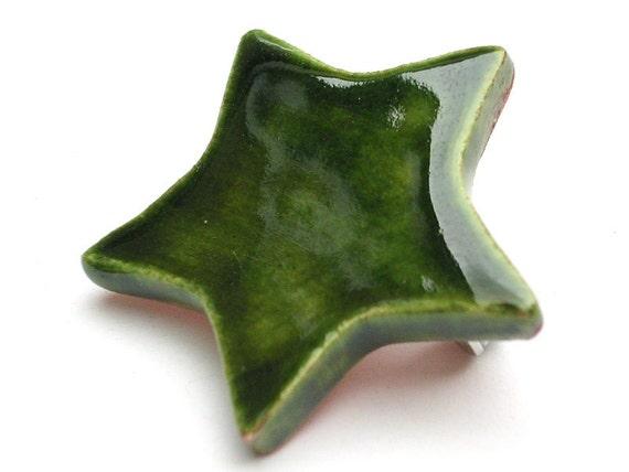 Green star ceramic button badge - handmade