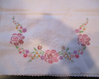 Dresser Scarf Vintage Rose Floral bouquet design cross stitch and embroidery rectangular shape