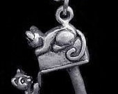 1902 best friends cat kitten charm silver mail box Real Sterling silver 925 pendant Charm jewelry